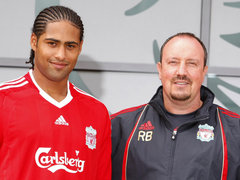 Glen-Johnson-and-Rafa-Benitez-Liverpool_2326785