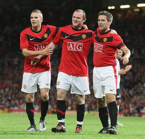Wayne-Rooney-Michael-Owen