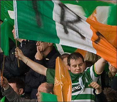 Celtic fans heard singing pro IRA songs at Dundee United (video)